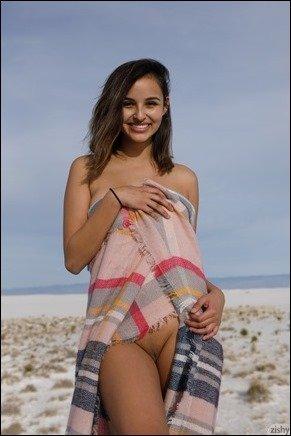 zishy-alejandra-cobos-white-12